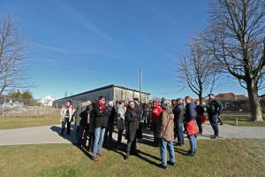 Die Gruppe am Rosa-Luxemburg-Platz (Foto: FacesbyFrank)